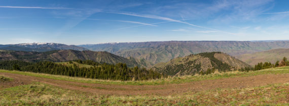 Panorama of view from Graves Point Lookout of Hells Canyon